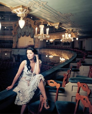 http://www.everythingmixed.com/wp-content/uploads/1anna-netrebko-378x470.jpg