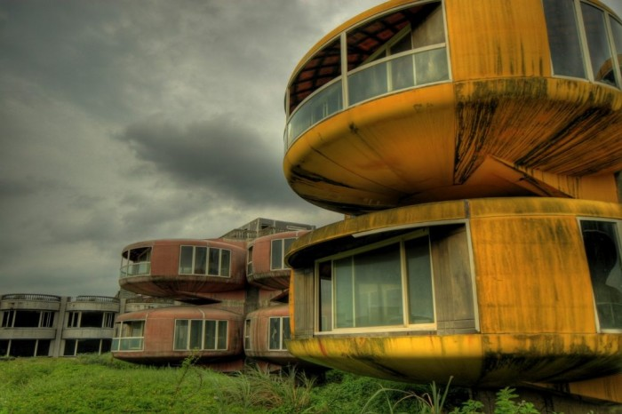 amazing abandoned places 10
