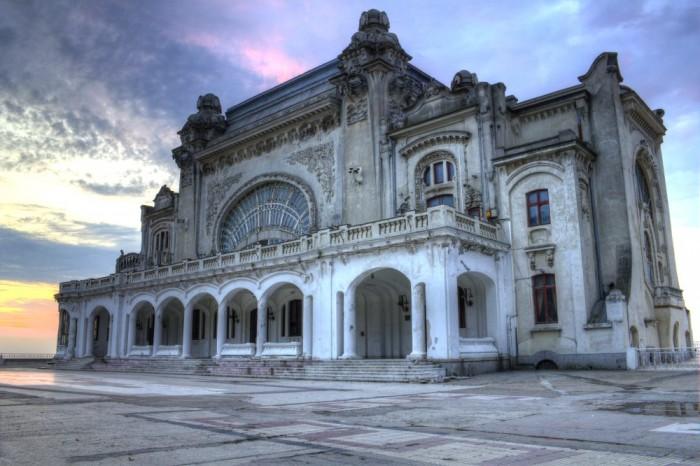 amazing abandoned places 21