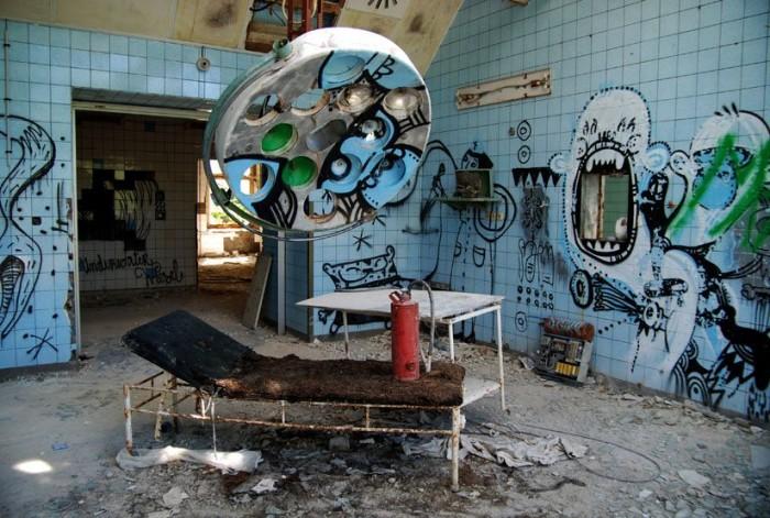 amazing abandoned places 23
