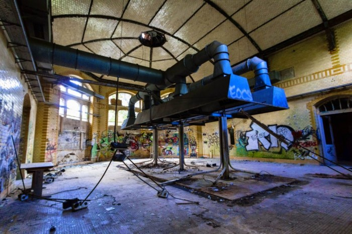 amazing abandoned places 24