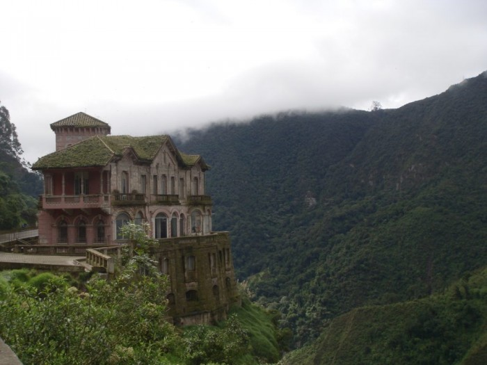 amazing abandoned places 26