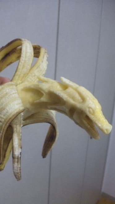 banana sculpture 01