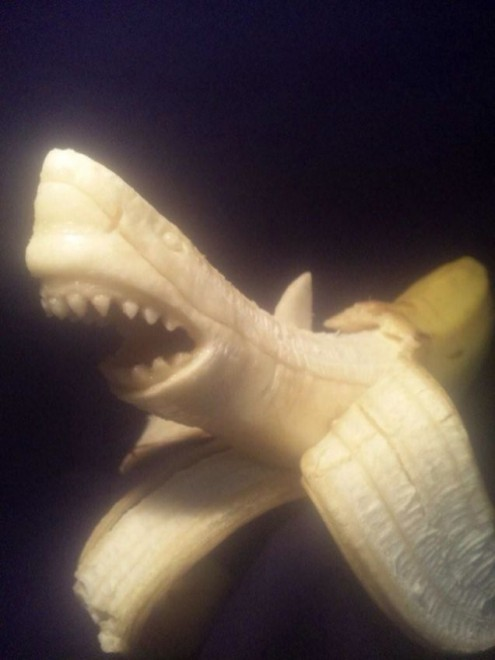 banana sculpture 11