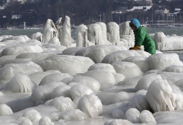 ice city versoix switzerland 07