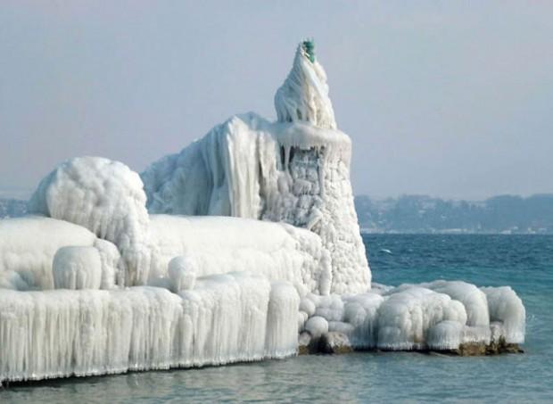 ice city versoix switzerland 08