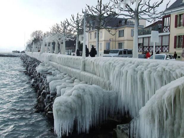 ice city versoix switzerland 12