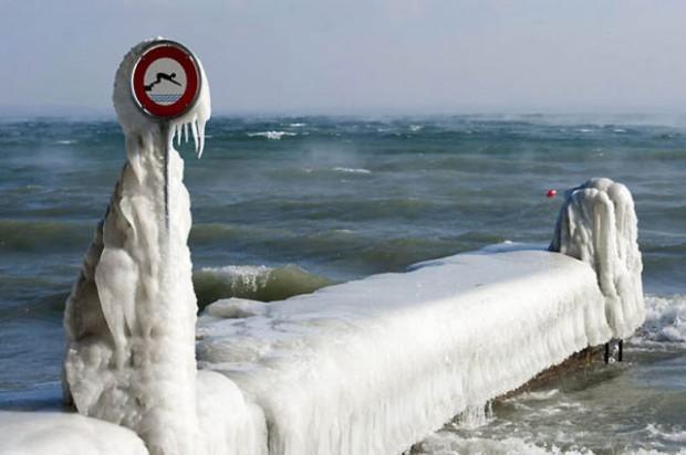ice city versoix switzerland 19