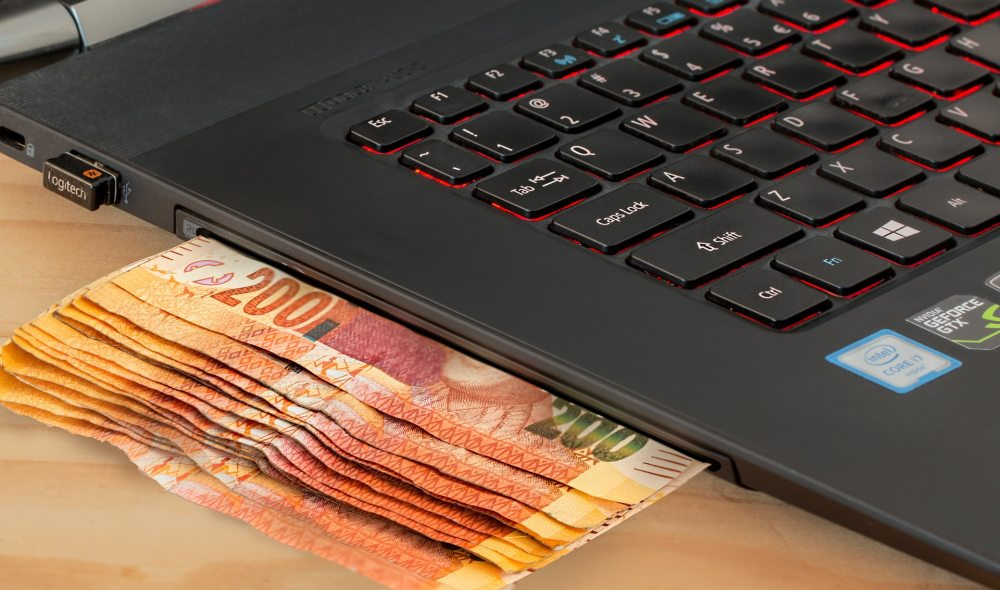 Why Invest in Online Casinos