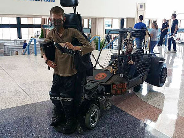 Incredible! Disabled Student Benjamin Carpenter Turns Wheelchair into Spectacular Mad Max Cosplay