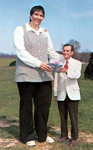 everything mixed sandy allen worlds tallest woman dies