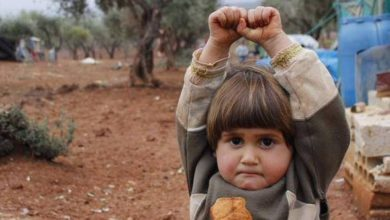 Photo of Faith in Humanity Destroyed: Photo of Syrian Child Surrendering to Journalist
